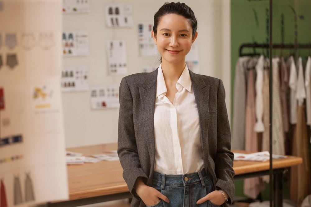 中國內地網紅張大奕在微博上擁有逾千萬粉絲,她先後在淘寶及天貓開創服裝店及美妝品牌。