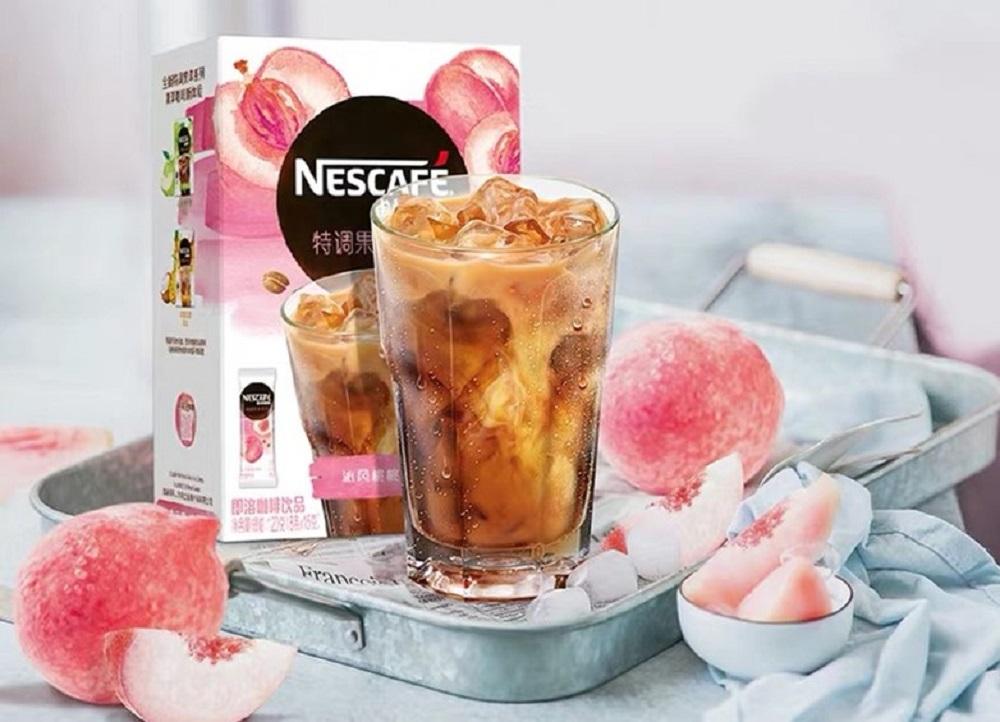 通過與天貓新品創新中心合作,雀巢推出了水果跨界咖啡沖調飲品,大受年輕消費者歡迎。