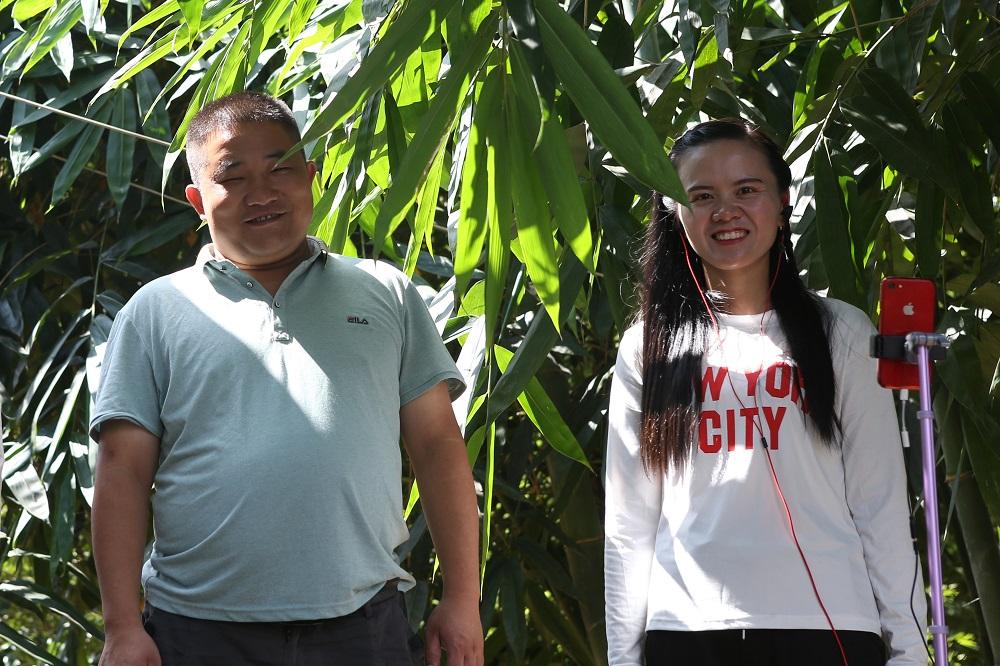 尋烏縣是林瑞平及潘秋霞的老家,兩人在外地工作、相識及結婚,再決定回老家創業,發展果農生意。