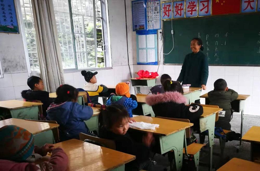 馬雲特別感謝堅守在全國所有農村、鄉村偏遠地區的鄉村老師,認為他們的努力和付出正在改變中國。