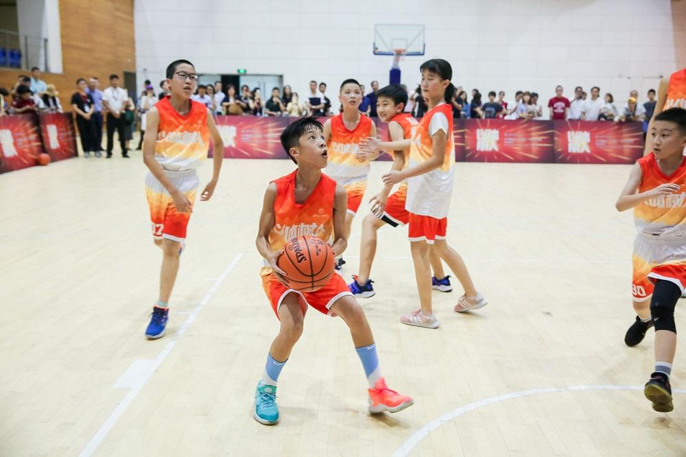 蔡崇信公益基金會發起「以體樹人」計畫,評選10位傑出校長代表,培養更多潛力體育幼苗。