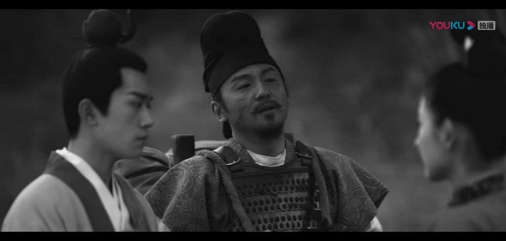 《長安十二時辰》由兩位演員易烊千璽(圖左)及雷佳音(圖中)擔任主角,貫穿整個故事綫。