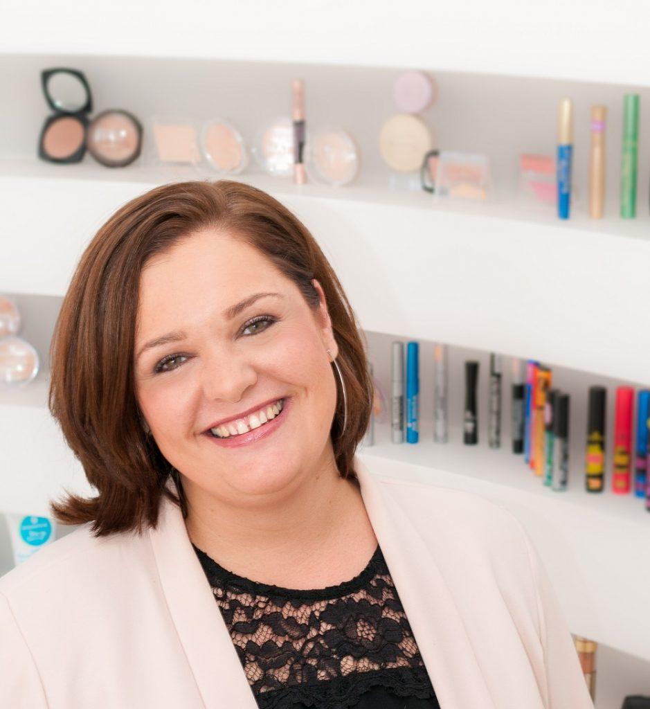 cosnova Beauty市場總監Yvonne Wutzler指出,中國女性對化妝教學特別感興趣,從化妝品的選擇到上妝技巧,以及在社交媒體上追蹤「網紅」,都體現出對美妝市場的熱情。(受訪者提供相片)