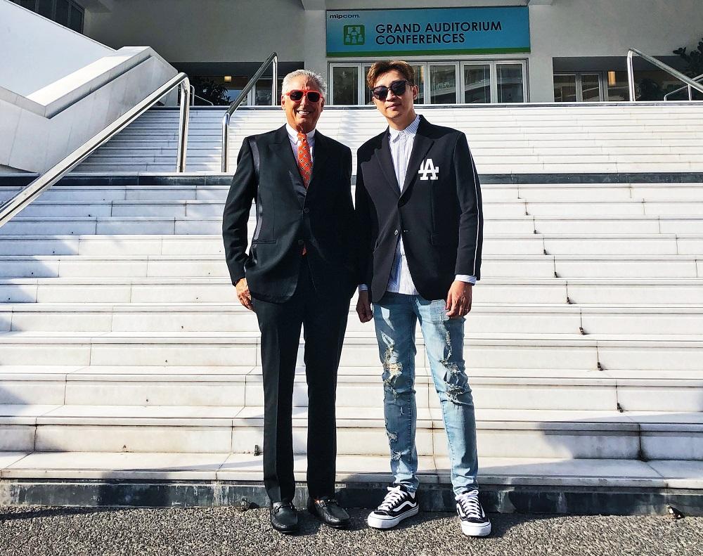 左起為Genius Brands International 主席及行政總裁Andy Hayward,以及優酷少兒總經理廖懷南。