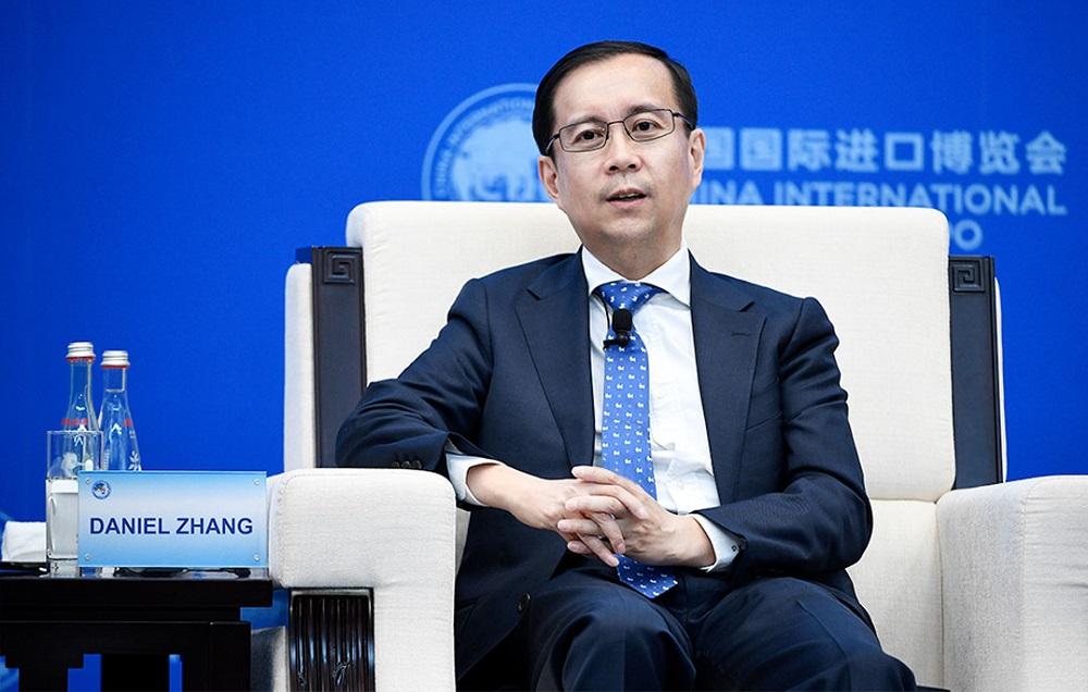 阿里巴巴集團董事局主席兼首席執行官張勇,在進博會的虹橋經濟論壇上分享見解。