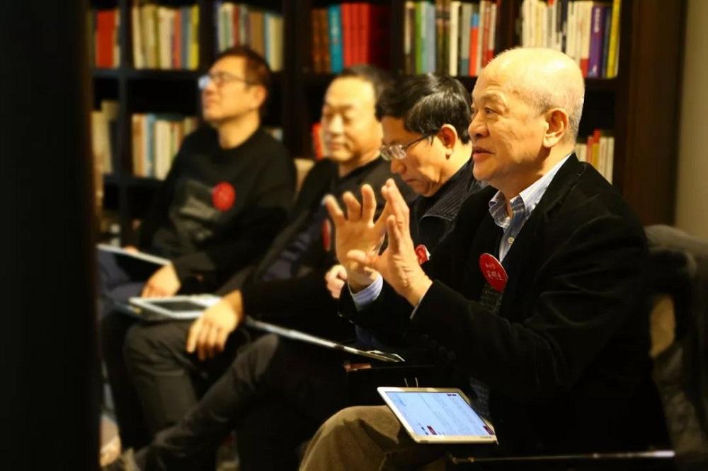 2003年非典型肺炎肆虐大中華區,阿里巴巴集團的杭州總部也一度採取隔離措施,時任集團首席營運官關明生(圖右一)正是事件的見證人和决策參與者。