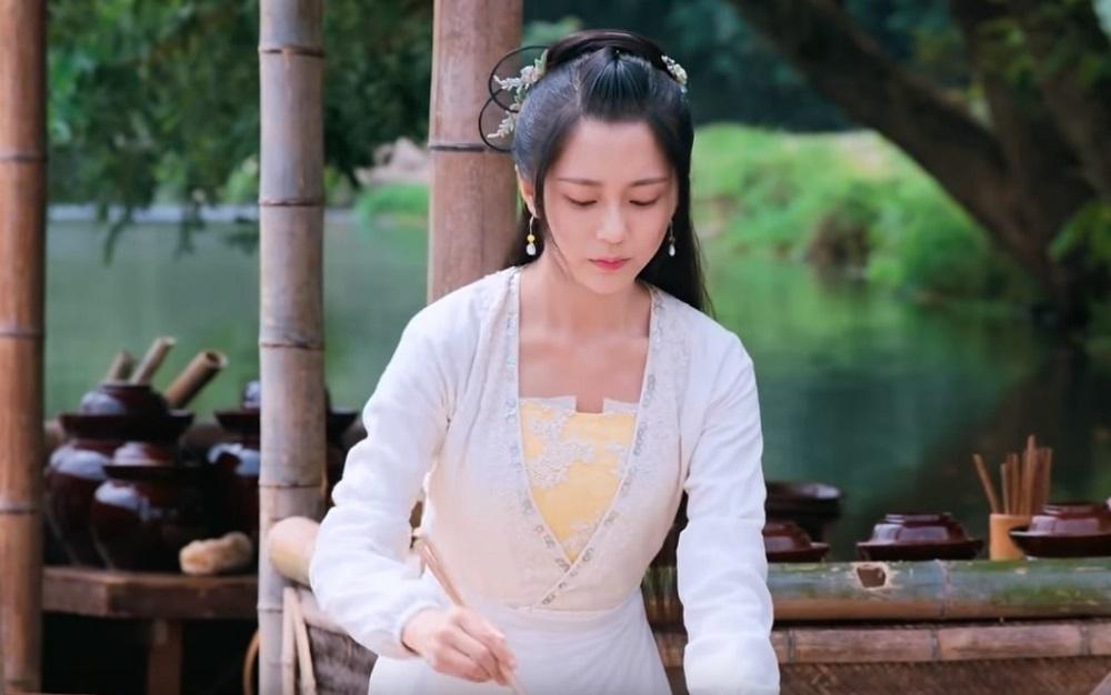 優酷獨家播映的古裝美食劇《人間煙火花小廚》集中華美食、田園山水及愛情小品於一身,全劇36集近日已悉數播出。