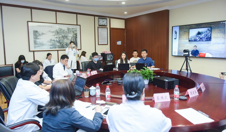 阿里巴巴集團創始人馬雲透過視像會議,向日本及中國的醫學界代表致以感謝。