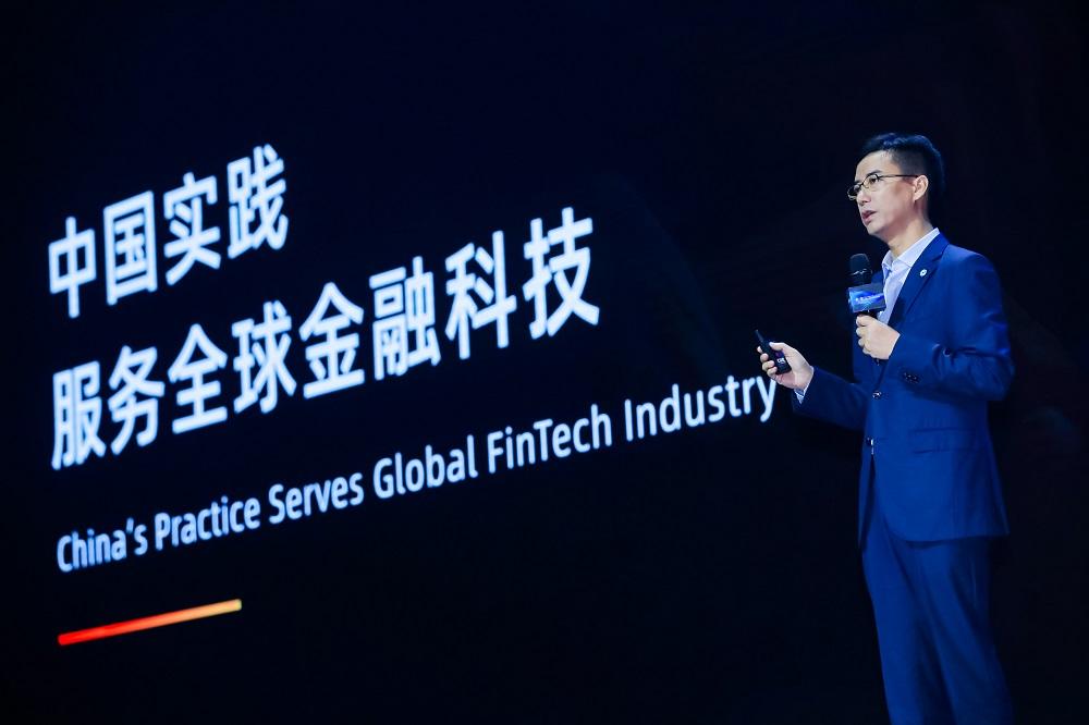 螞蟻集團首席執行官、網商銀行董事長胡曉明近日在小微金融合作伙伴大會上公佈網商銀行過去五年的成績表。